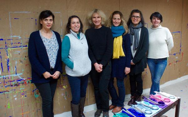 Formation à l'école Montessori : geste de peindre et intériorité