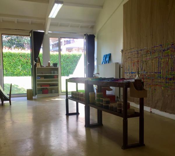 L'atelier peinture de l'école Montessori : 3ème année